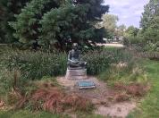 image Gandhi_statue.png (71.1kB)